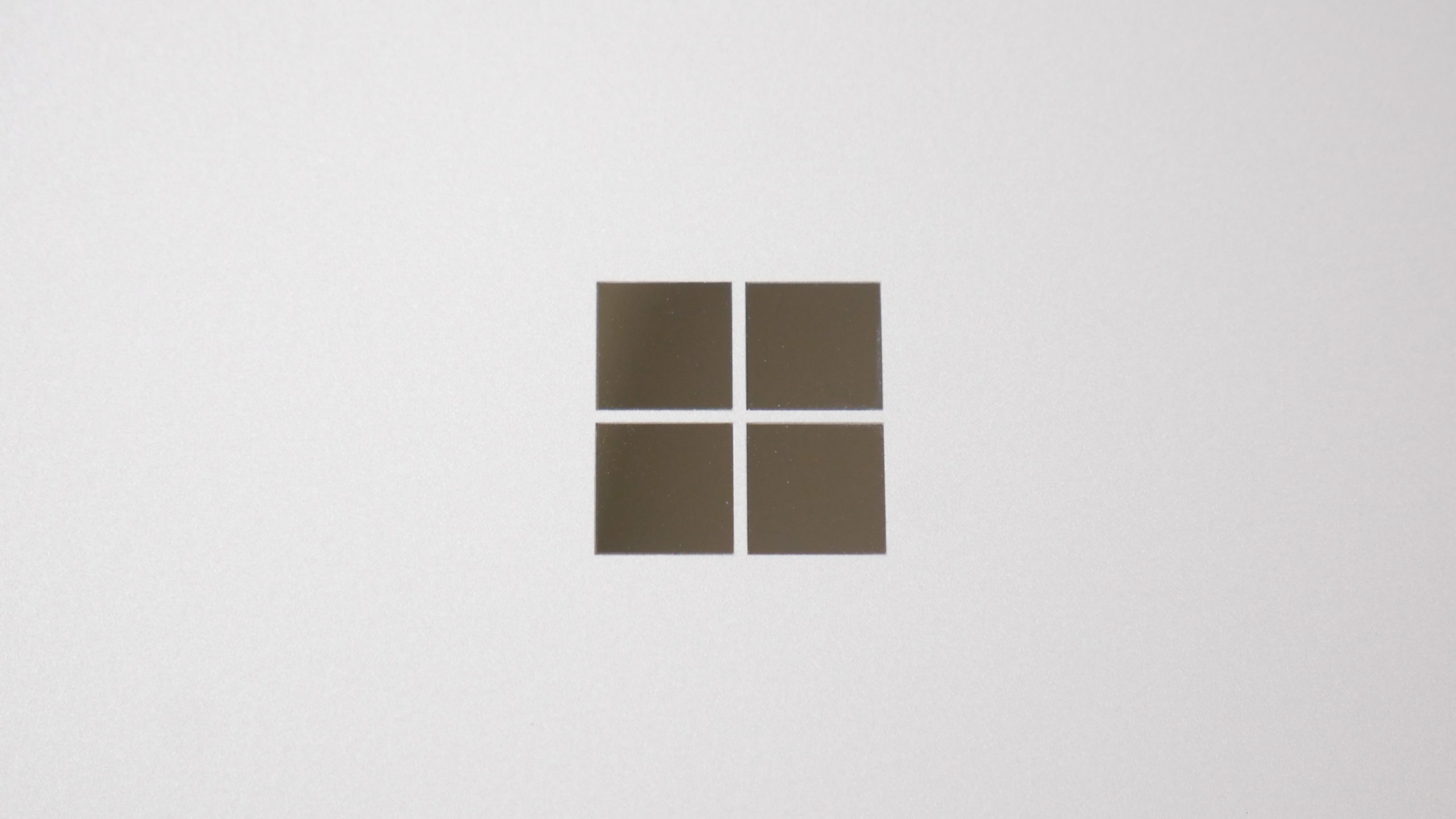 Surface Go 2 LTE 実機 レビュー